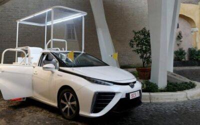 Toyota Mirai Jadi Mobil Baru Paus Fransiskus